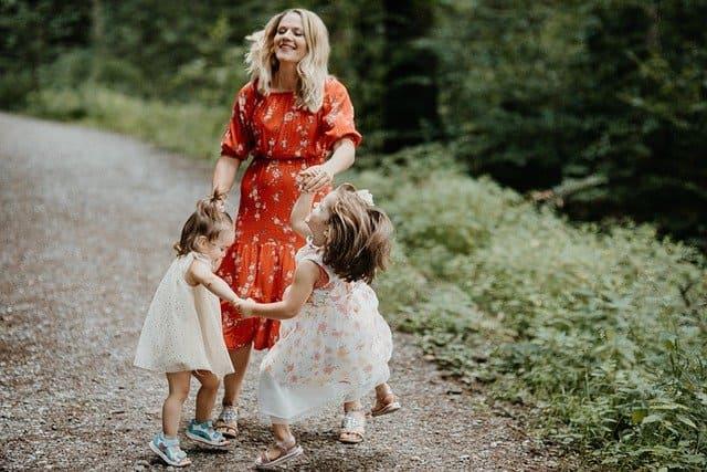 子どもを心配しすぎて不安になると過干渉になりやすい理由と影響と対処策