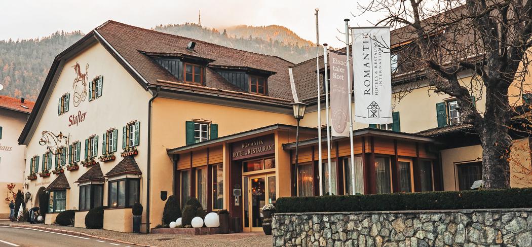 Romantik Hotel Stafler - Albergo Stafler - Gourmetstube Einhorn - Restaurant Gasthofstube Stafler - Ristorante - Gourmet - Sterzing - Vipiteno - 2 Michelin Sterne Koche - Stelle Michelin - Gourmet Südtirol