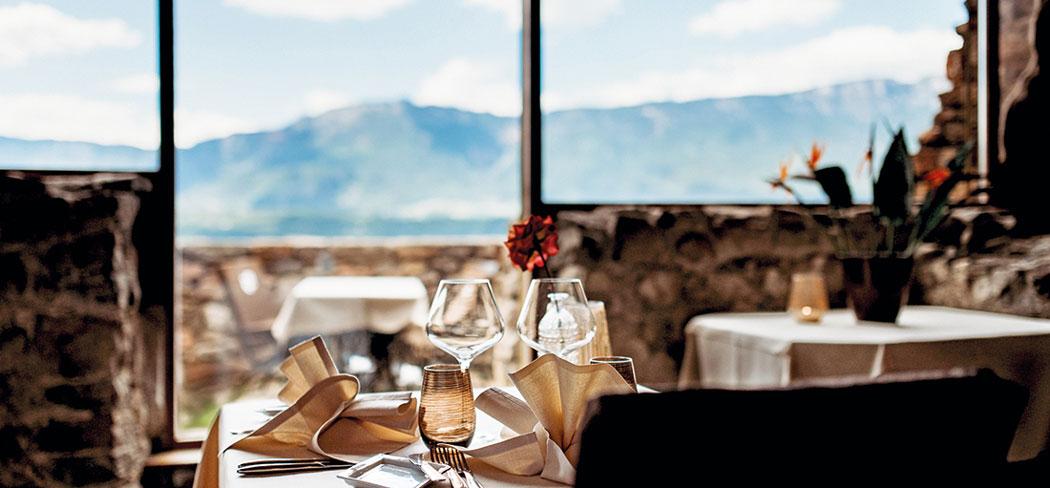 Castel Haselburg Restaurant Bozen Hotels für Südtirol Urlaub in Südtirol Vacanze in Alto Adige Castel Flavon für Südtirol Alto Adige Gourmetrestaurant Urlaub in Sued