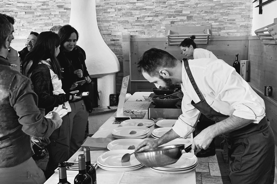 Ütia de Bioch: Chef Nicola Laera* - Ristorante La Stüa de Michil - Corvara