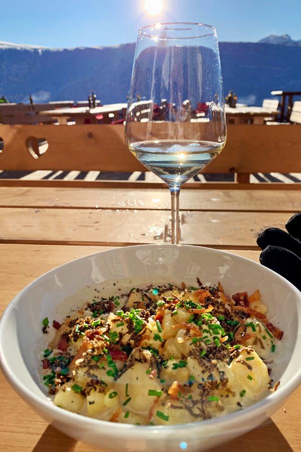 Ütia I Tablá: gnocchi di patate, tartufo e carbonara