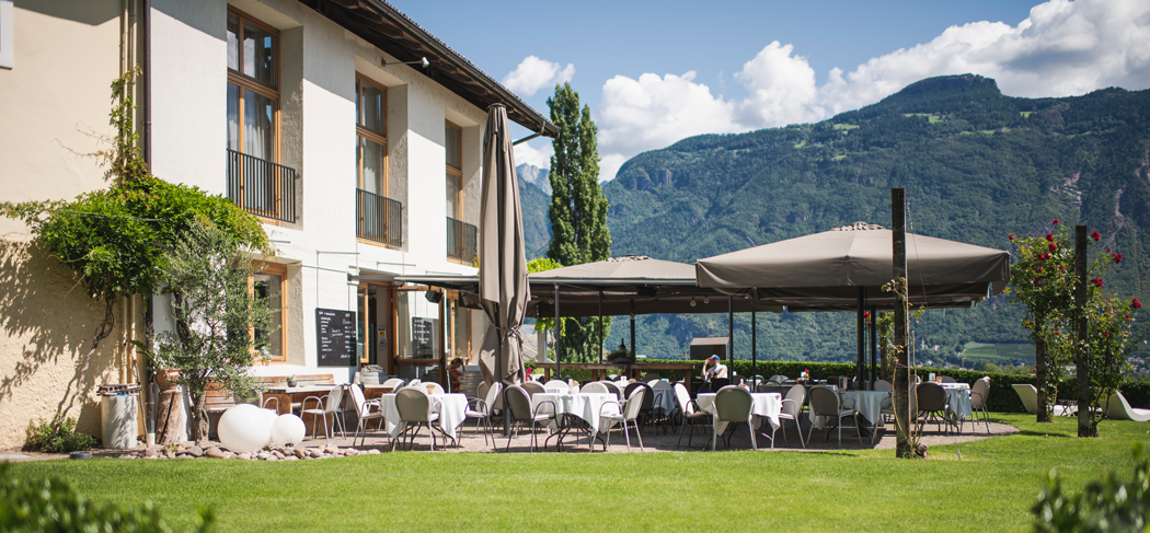 Gutshof Restaurant Vinothek Ristorante Enoteca Lana Meran Merano Südtirol Alto Adige Gourmet Südtirol