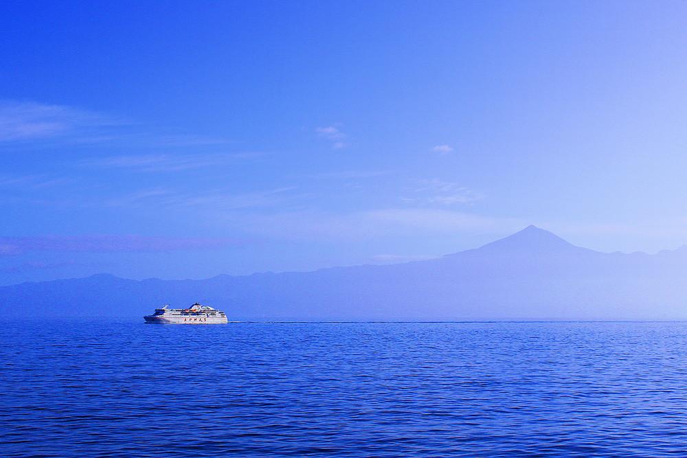 Паром между островами Гомера и Тенерифе, Канарские острова