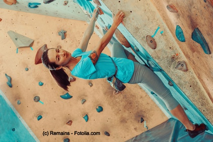 Indoor Climbing simuliert das Klettern in freier Natur.