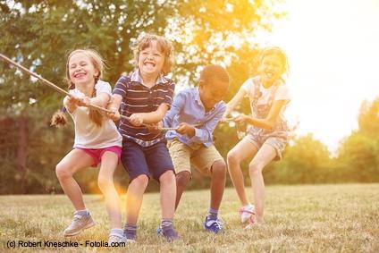 Geneinsam lernen, gemeinsam Ziele verfolgen und auch gemeinsam kämpfen prägt das Sozialverhalten für das spätere Leben ganz entscheidend.