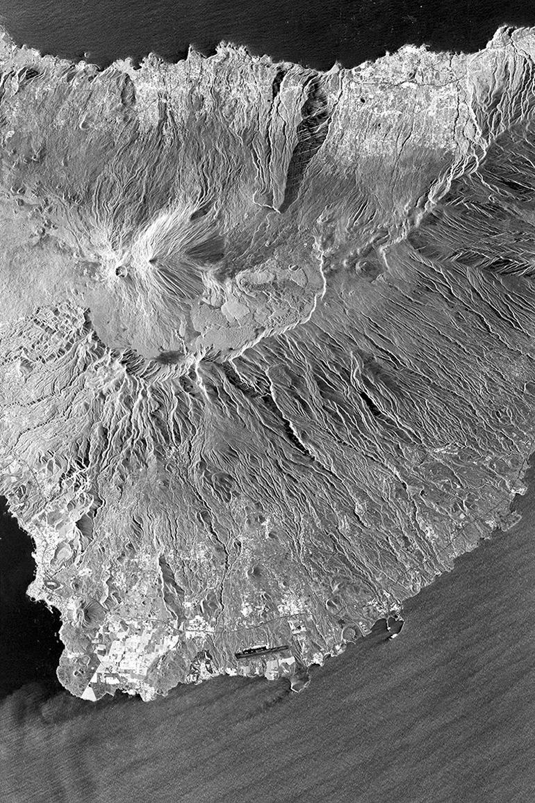 So sieht der Vater Teide und seine Umgebung von oben aus - fotografiert aus 514 km Höhe. Source: INTA España