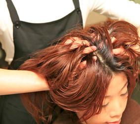 適切なヘッドマッサージは全身運動と同じ効果があります。肩こりも解消される不思議なインド式マッサージ