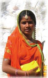 インド女性の健康で強い髪~過酷な紫外線にも負けない髪にはヘナの秘密があります