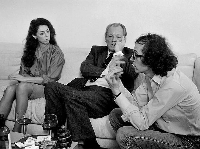 Christo und Jeanne-Claude im Gespräch mit Altbundeskanzler Willy Brandt, 4. Oktober 1981 // Foto: Wolfgang Volz