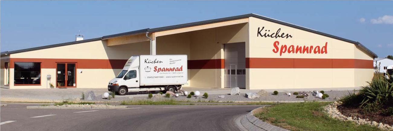 Aussenansicht Firmengebäude Küchen Spannrad in Langquaid
