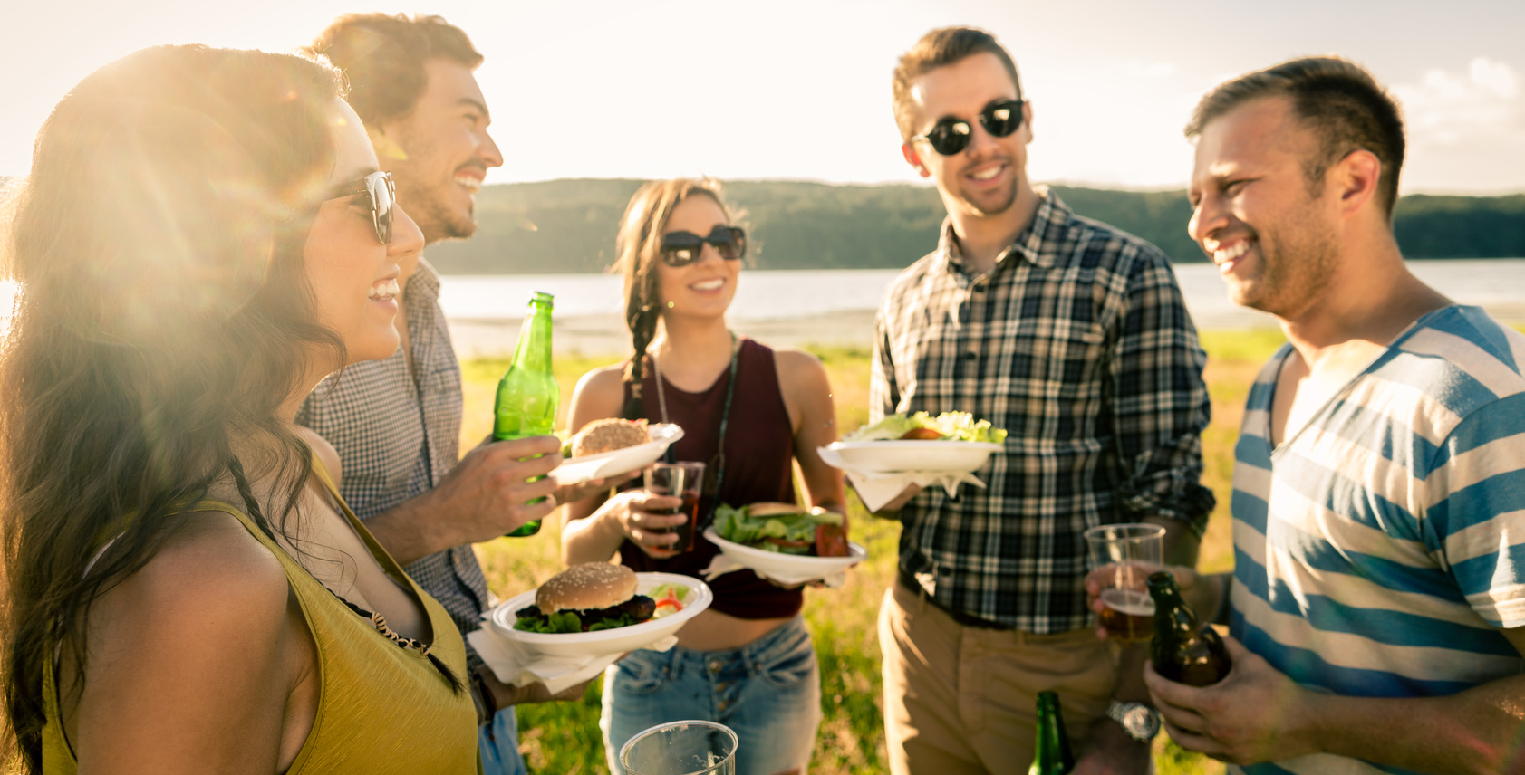 Grill-BBQ-Käse-Burger mit Freunden genießen!