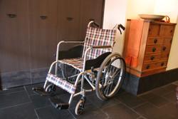 店内専用の車椅子
