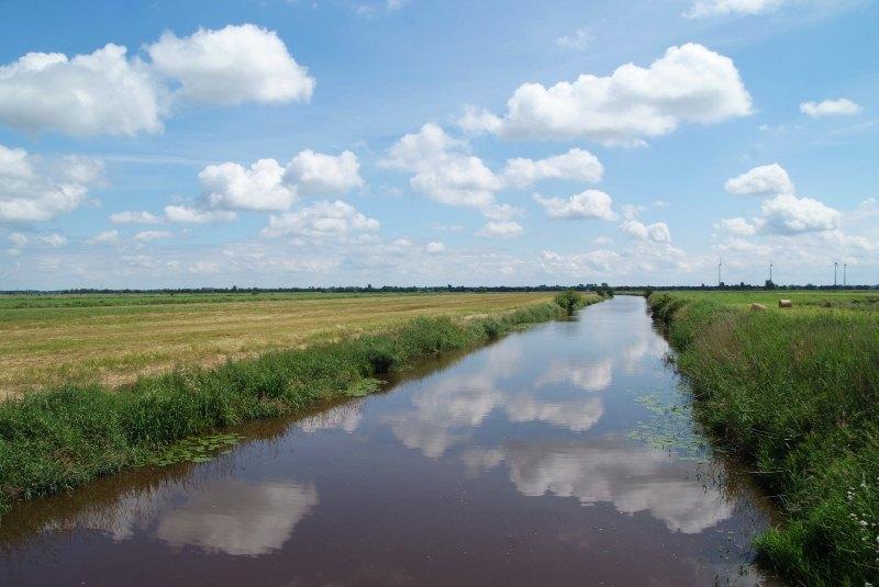 Hinterland mit Entwässerungsschloot