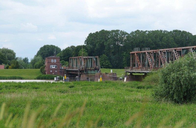 Friesenbrücke (ist bis auf weiteres gesperrt)