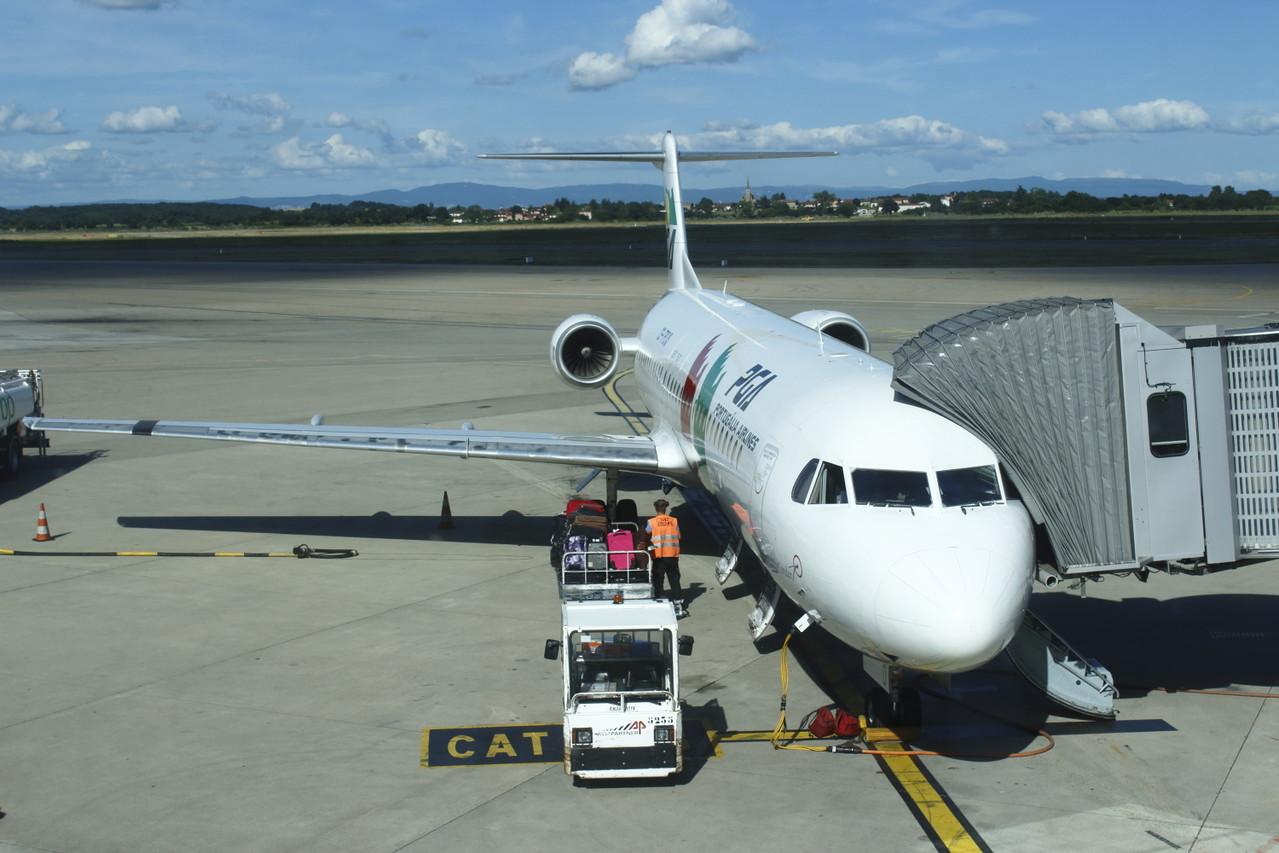 Notre Avion pour Lisbonne au départ de Lyon - été 2013 @ Florian Bernier