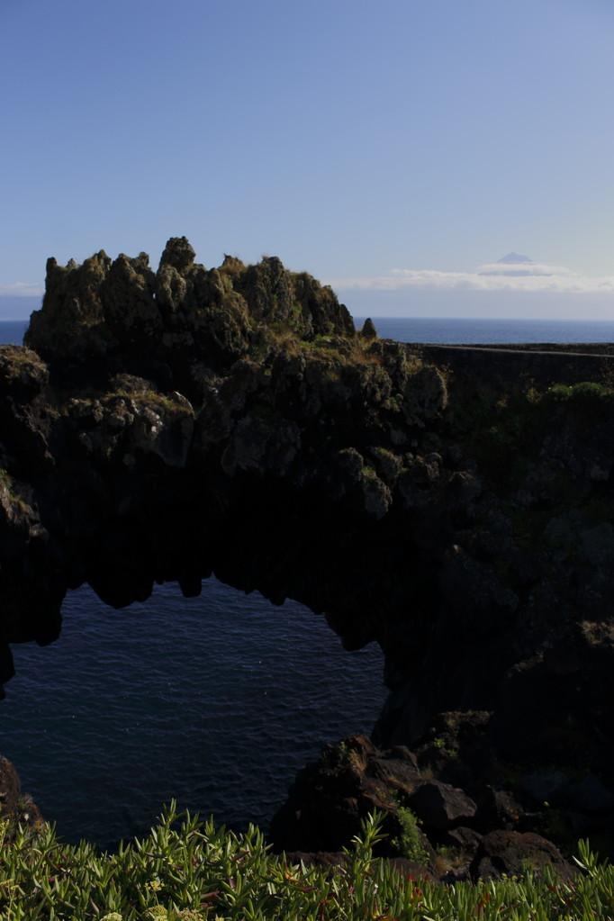 Arche de roches à Velas - Eté 2013 © Florian Bernier