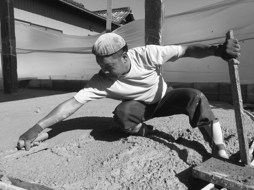 コニファー タフテックス 評判 口コミ クチコミ 評価 庭 外構 外溝 エクステリア e戸建 デザインコンクリート