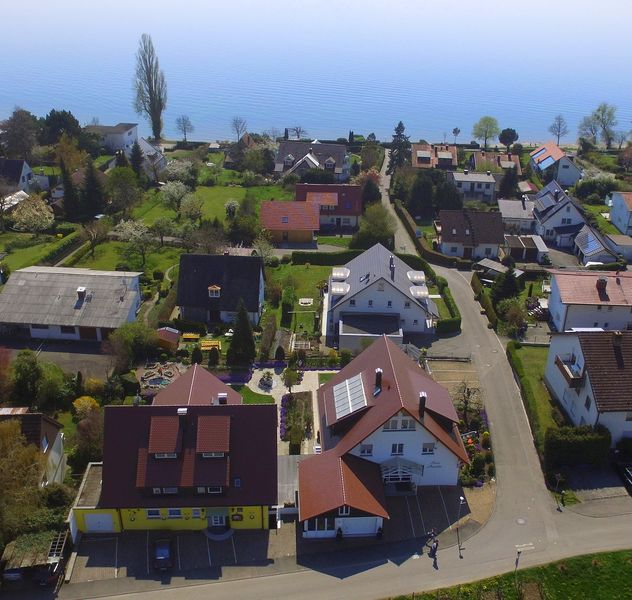 Bild: Ferienwohnungen Haus Annette und Haus Melanie am Höhenweg in Hagnau am Bodensee.