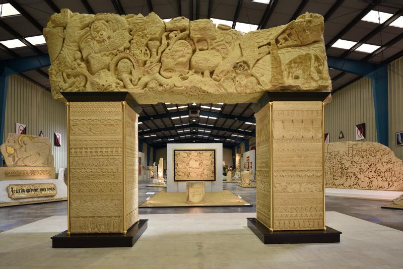 La Porte de l'Être - Haut. 500 cm x Larg. 650 cm