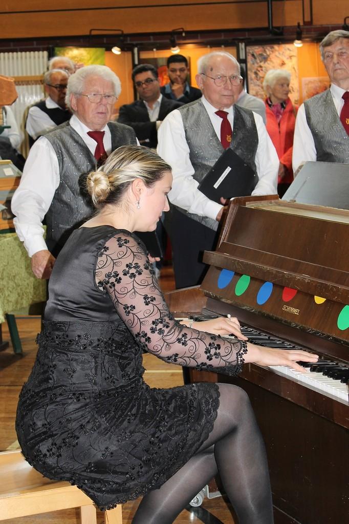 Frau Elena Ortner ( Musikkomponistin)