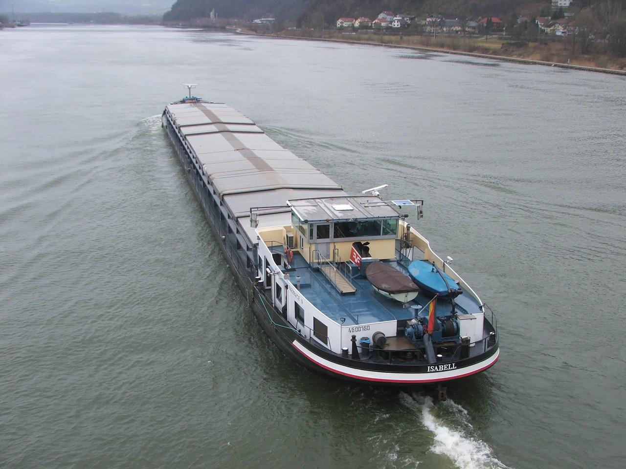 Frachtschiffe RIver Cargo