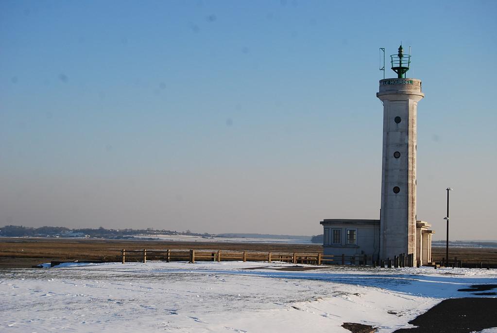 Le phare du Hourdel sous la neige