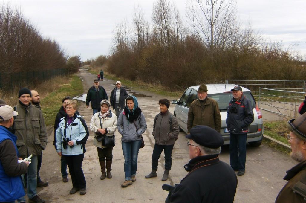 Begrüßung durch Jörg Brämer von der NABU Gruppe Barleben (links im Bild)