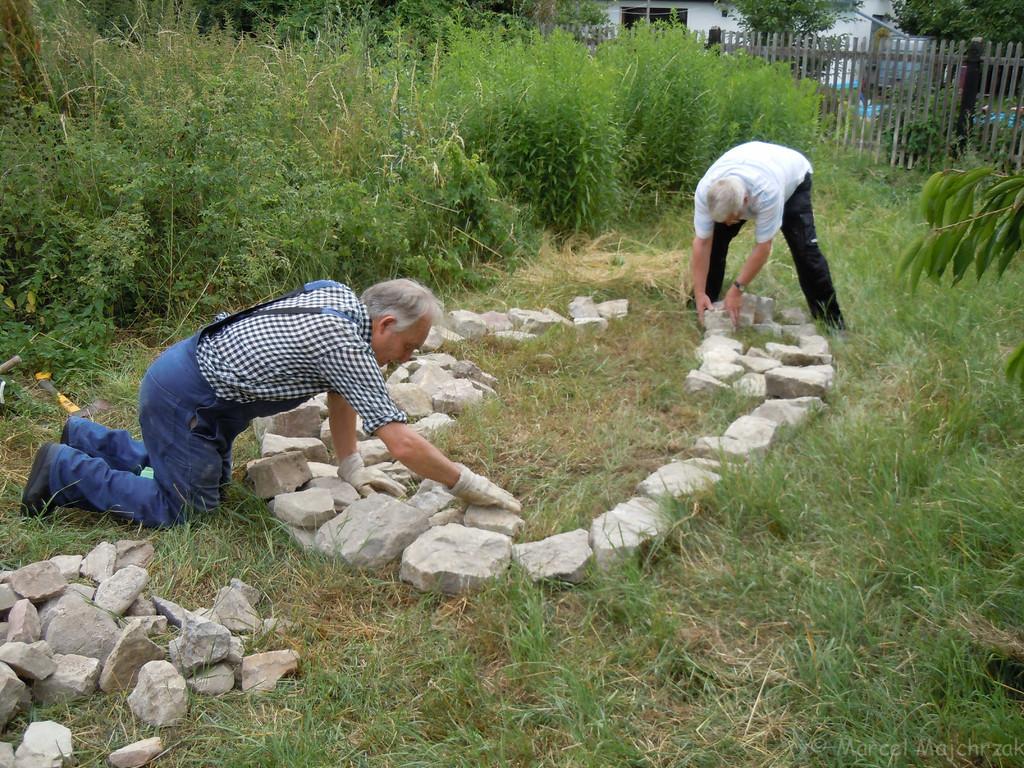 Die ersten Steine werden verlegt
