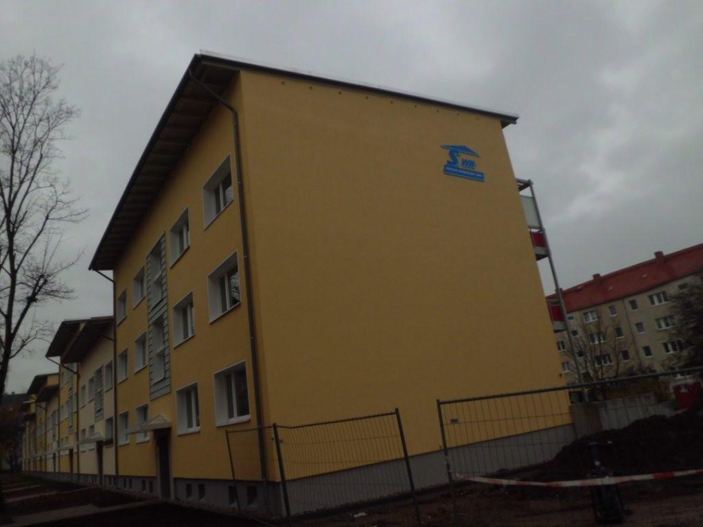In der Heinrich-Rau-Straße hat die SWB an dem Haus...
