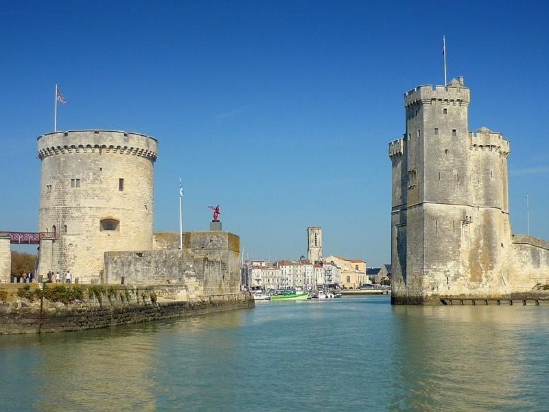Les tours St Nicolas et de la chaîne