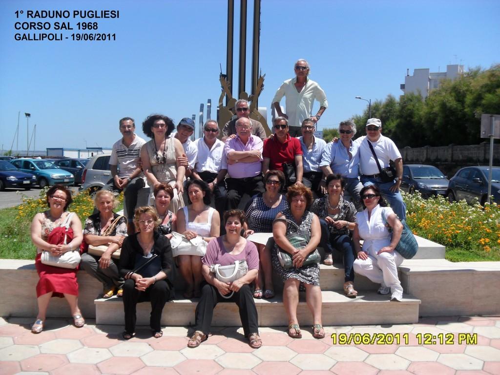 Foto di gruppo con le rispettive Consorti