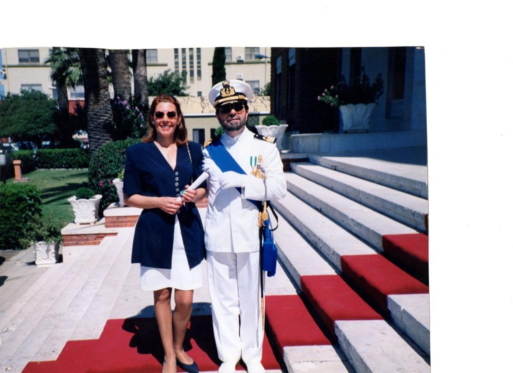 10.06.1998 - Comando Marina Cagliari - Festa della Marina - Con mia moglie Emma