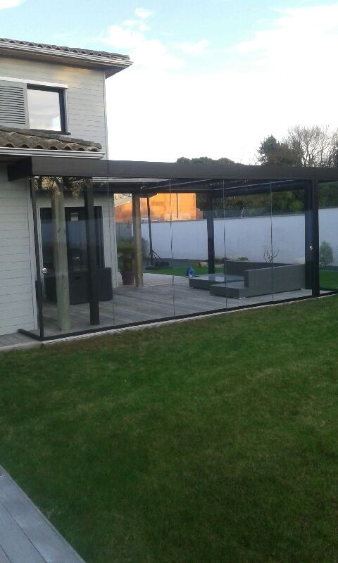 coulissant 100 verre lsk outdoor pergolas pergola bioclimatique store carport pr au. Black Bedroom Furniture Sets. Home Design Ideas
