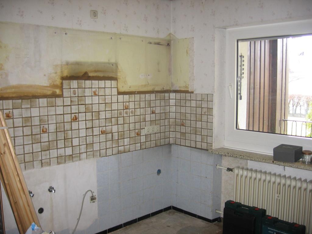 Küche ausgeräumt - vor dem Umbau