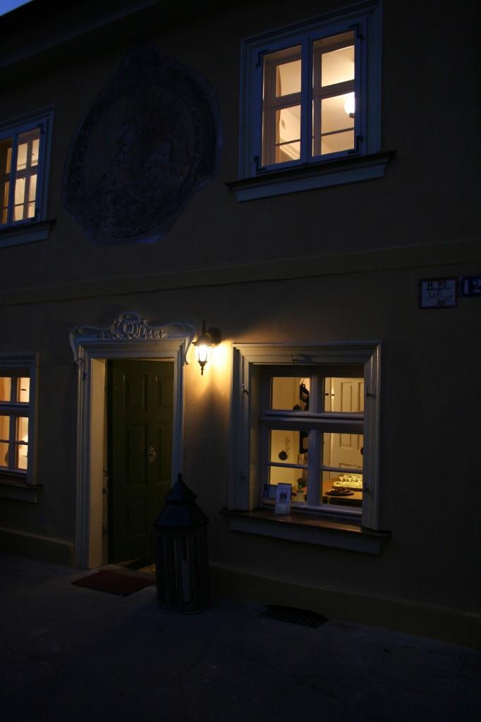 Das Gästehaus bei Nacht
