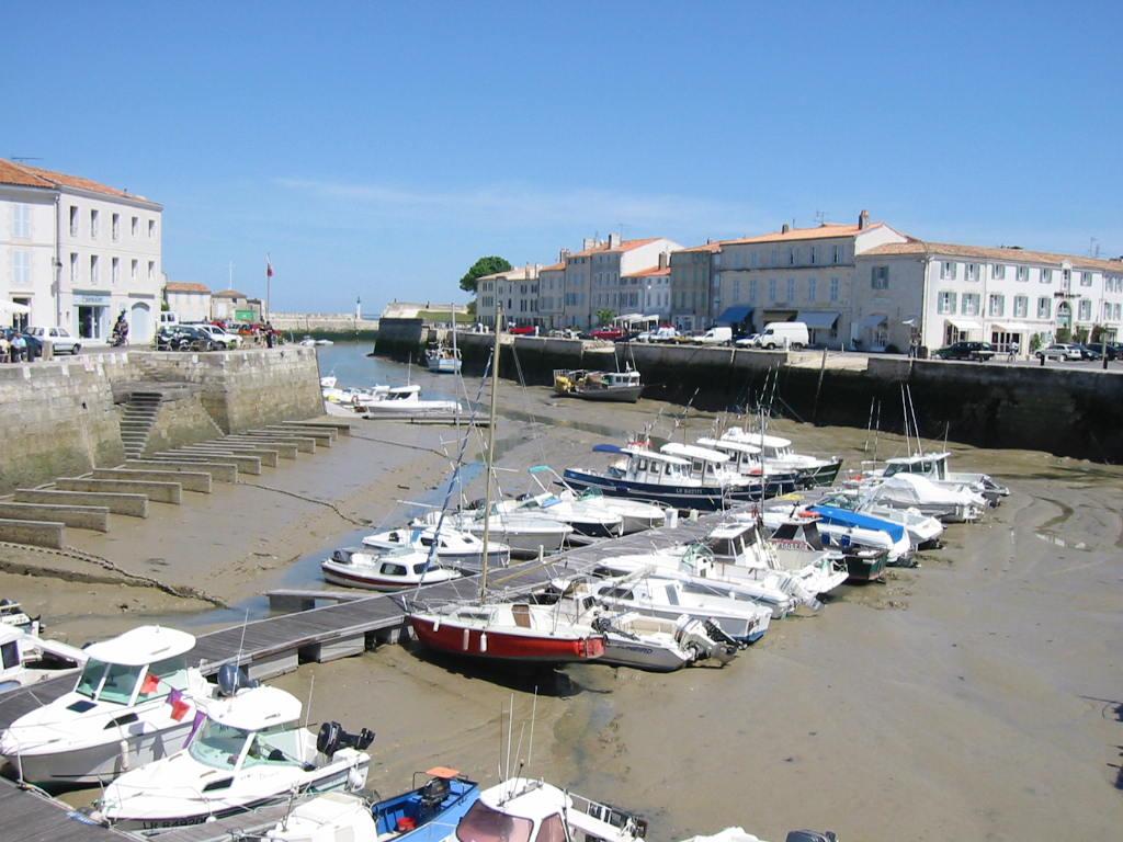 In Saint-Martin-en-Ré ist Trockenfallen zweimal am Tag an der Tagesordnung
