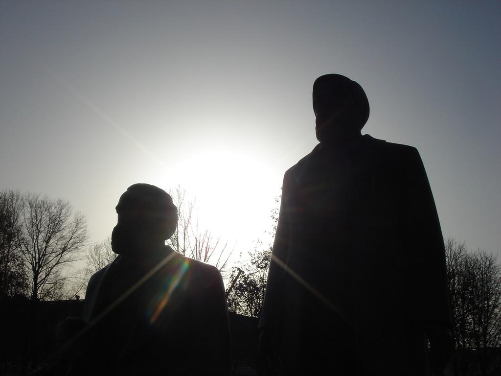 il monumento a Marx ed Engles in Berlino