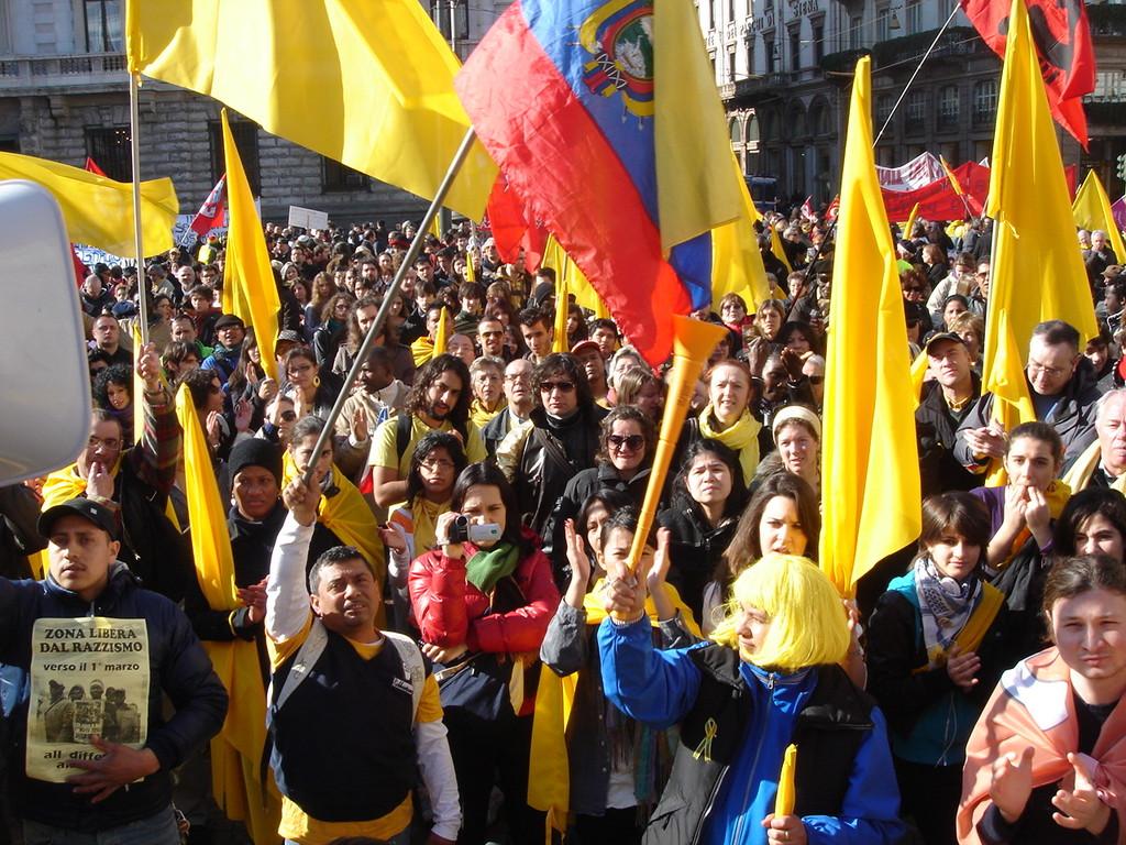 PRIMO MARZO piazza Scala è il popolo giallo