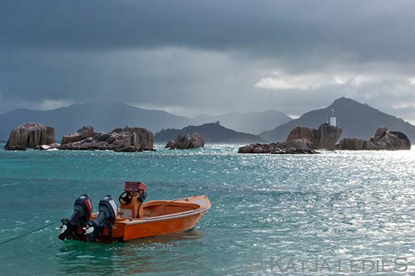 La Digue: Am Hafen