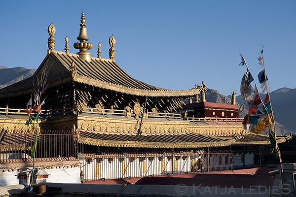 Lhasa: Dach des Jokhang