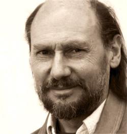 Portraitfoto von  Kurt Ries; Künstler und Designer