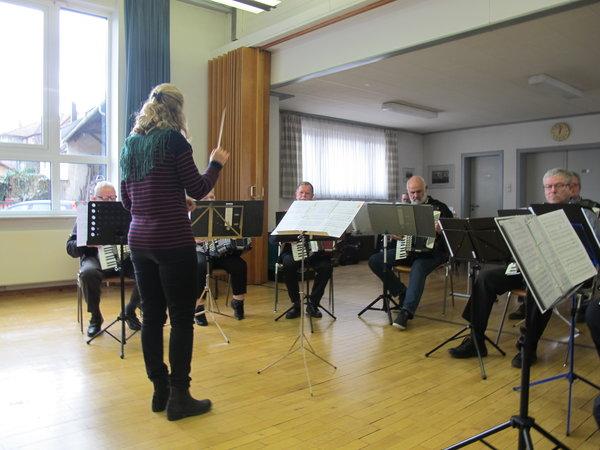 Hobby-Orchester bei der DHV-JHV