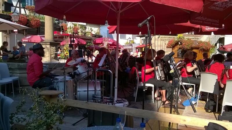 Auftritt beim Weinfest in Erlenbach