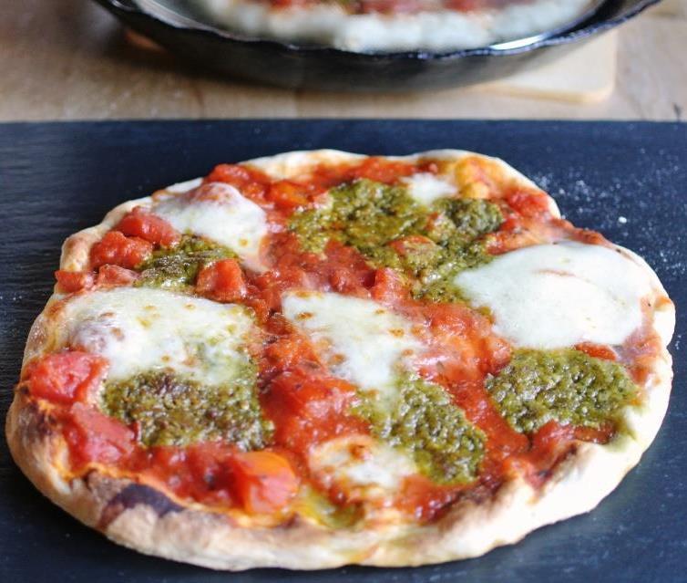 Schnelle Pfannenpizza - Pizza aus der Pfanne