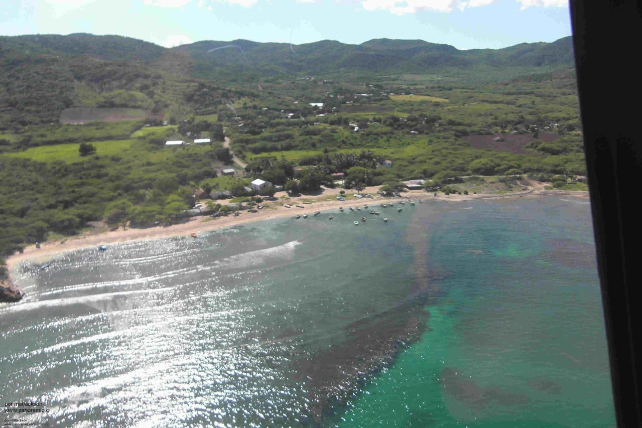 Vista de playa central de Buen Hombre