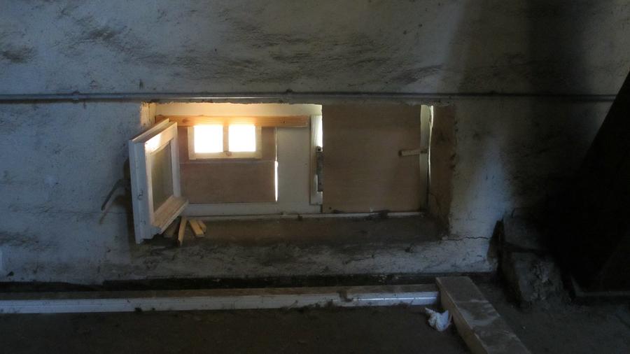 Einflugfenster für die Fledermäuse zum Dachstuhl