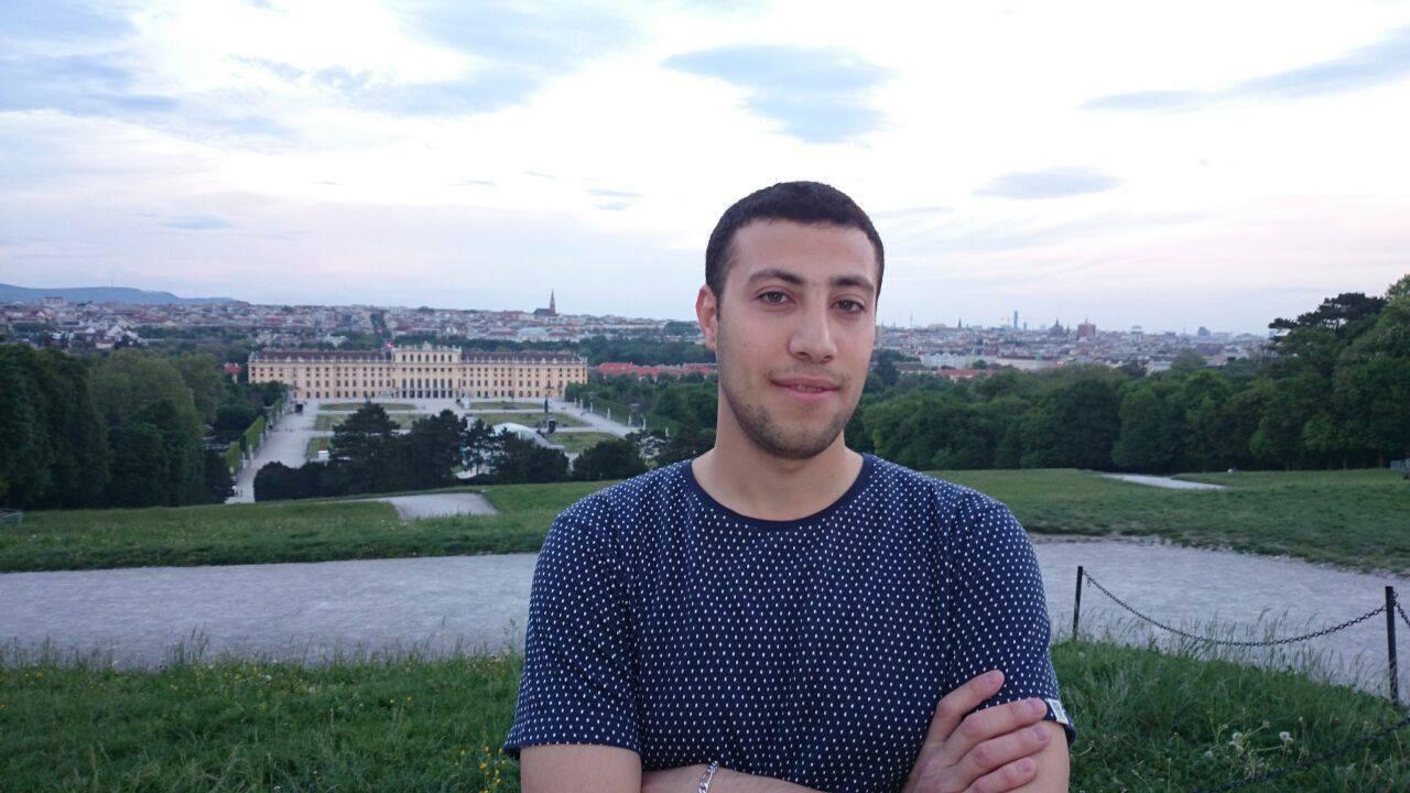 Anas Zahed (22)