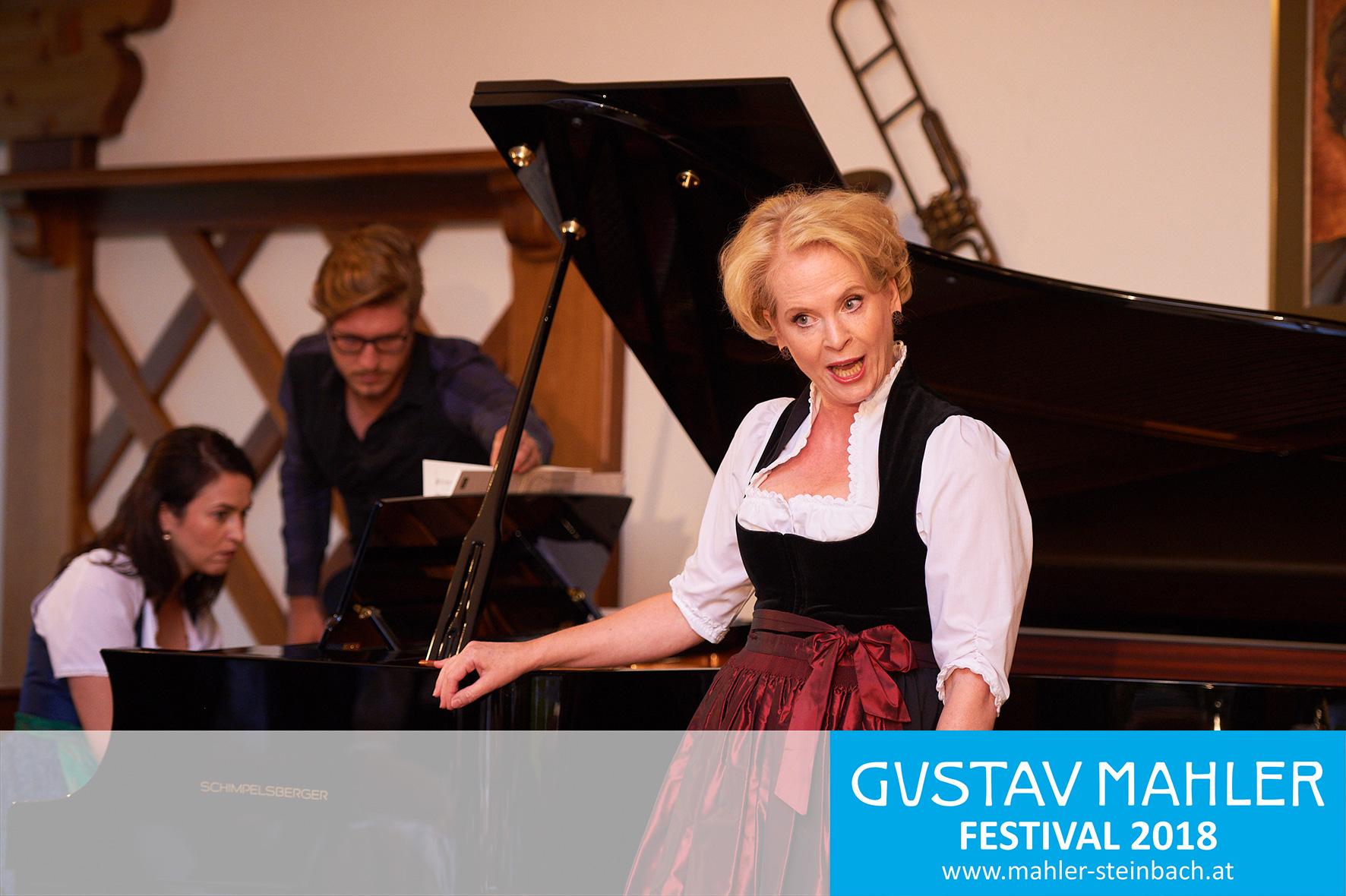 Sopranistin Birgid Steinberger,  Mahler in Lied und Wort