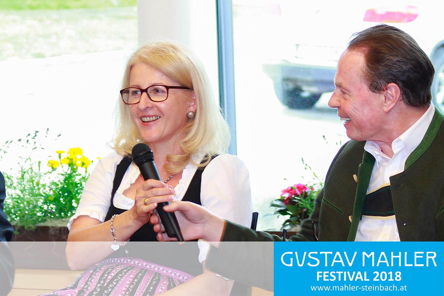 Dir. Christine Huber (Vizepräsidentin oö. Forum Volkskultur)