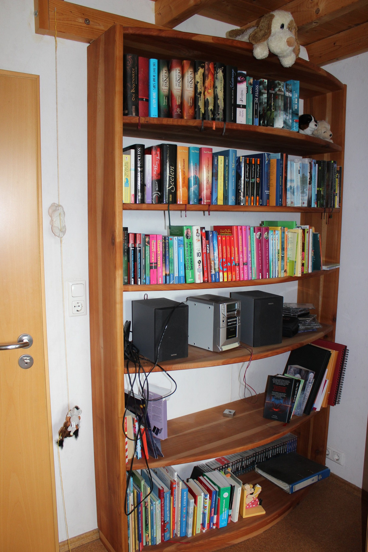 Bücherregal aus Kirsche